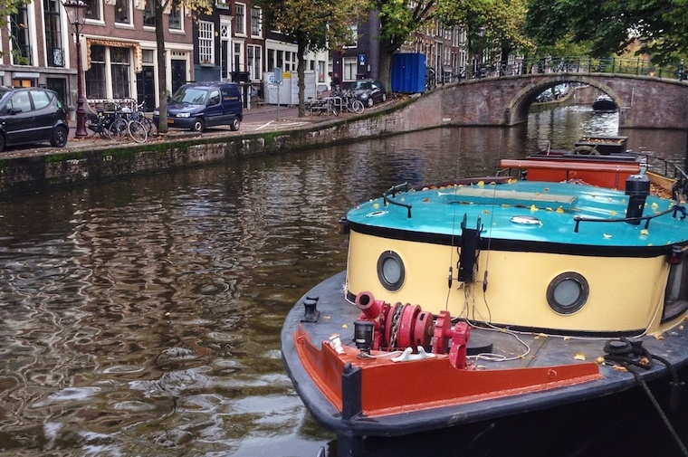 Colourful Canal boat on Reguliersgracht